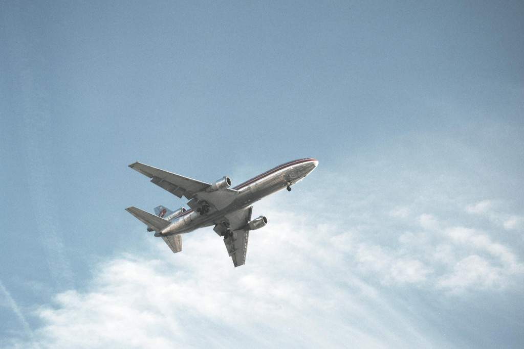 aeroplane photographed by Arno AlDoori